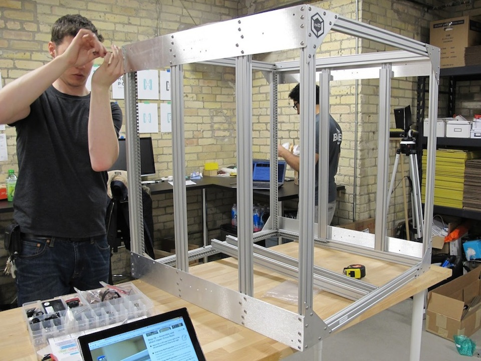 human-scale-3d-printer-gigabot
